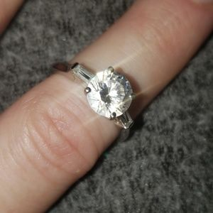 N/A Jewelry - Round cut solitaire sparkler